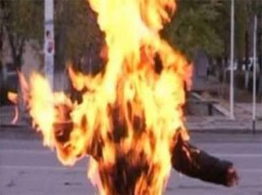 Hacıqabulda 25 yaşlı qız özünü yandırdı