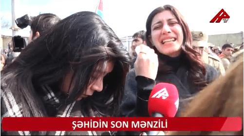"""VİDEO: """"Qalsaydı Zakirin mayda 21 yaşı olacaqdı …"""" – ŞƏHİDİN DƏFNİNDƏN REPORTAJ"""