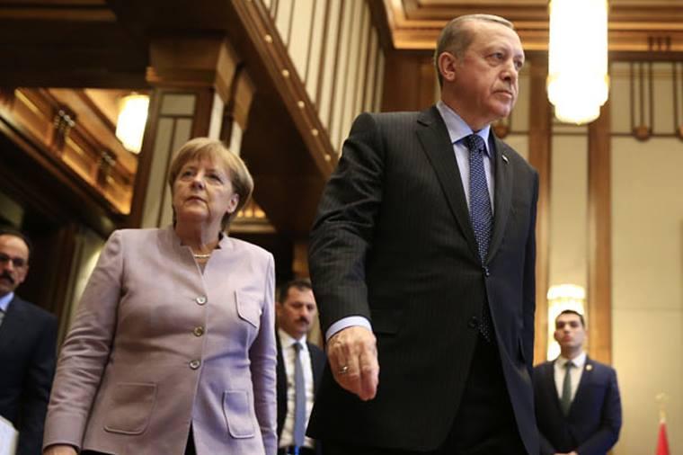 Ərdoğan Merkelin sözünü kəsdi – QALMAQAL