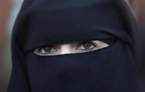 Avstriyada pərəncə və niqab qadağan edildi