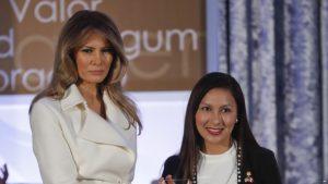 Melaniya Tramp Beynəlxalq Qadın Şücaəti mükafatlarını təqdim edib