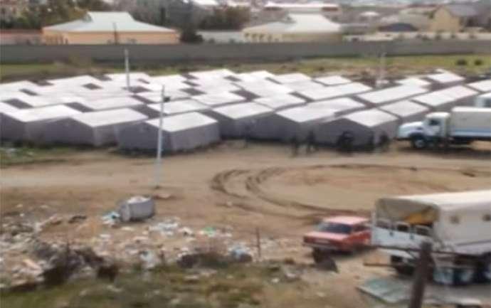 Bakıda bina uçur – Sakinlər çadırlara sığındı – VİDEO