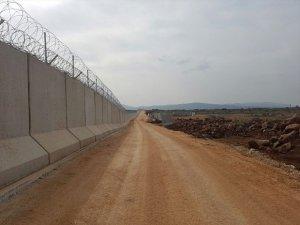Türkiyə ilə Suriya arasında 556 kilometrlkik beton divar tikilib