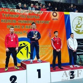 Güləşçilərimiz Bolqarıstan turnirinun ilk günündə 4 medal qazanıblar