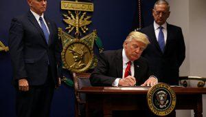"""Trampın yeni sərəncamı: """"Amerika malı al, amerikalı çalışdır"""""""
