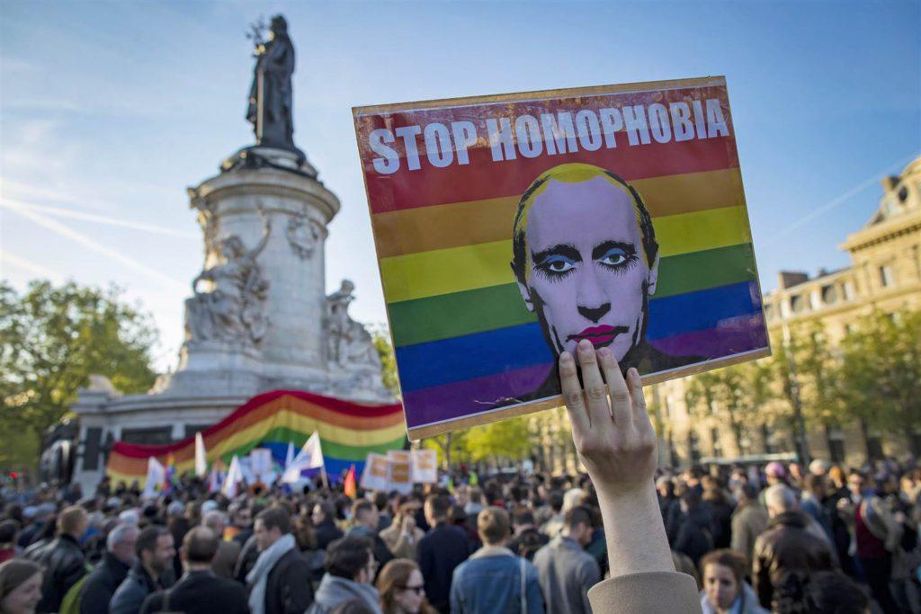 Hesabat: Çeçenistanda polis gey və biseksual şəxsləri təqib edib, döyüb və alçaldıb