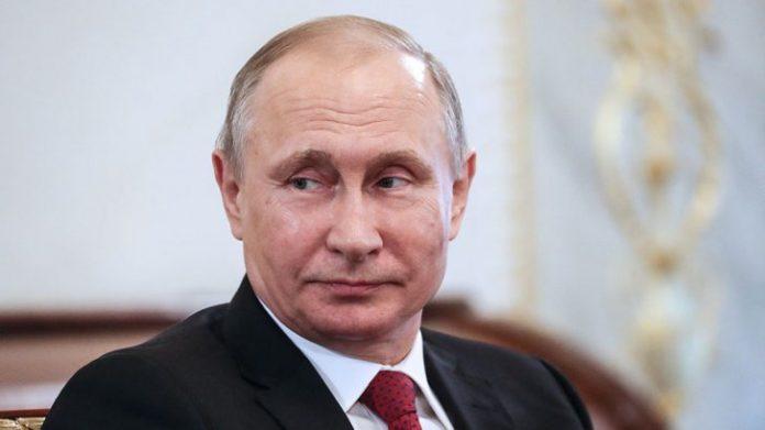 """""""Homoseksualla sualtı gəmidə olsaydınız, nə edərdiniz?"""" – Putinə qəribə sual – VİDEO"""