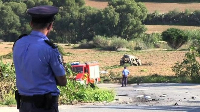 """Öldürülmüş maltalı jurnalistin oğlu """"mafia dövlətini"""" tənqid edib"""