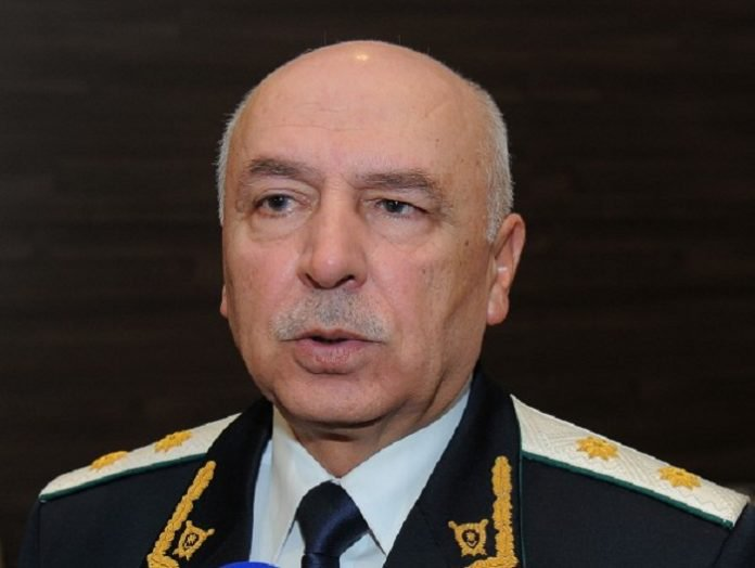 Baş prokurorun müavini əfv və amnistiyadan yazdı