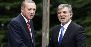 Ərdoğan Gülü AKP-də birliyi pozmaqda ittiham edib