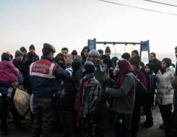 Türkiyə yüzlərlə əfqan miqrantı deportasiya edir