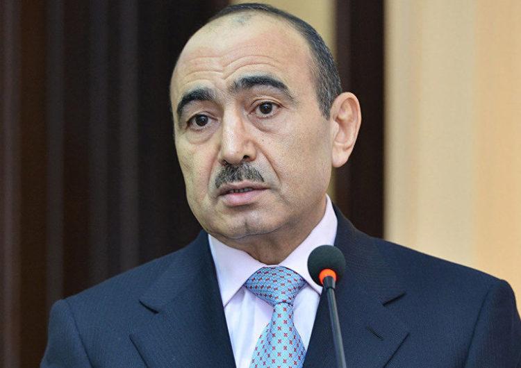 Rəsmi KİV-dən Əli Həsənova qarşı etinasızlıq