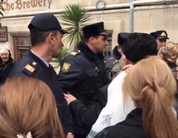Şəhid ailələri Prezident Administrasiyasının qarşısına buraxılmadı – VİDEO