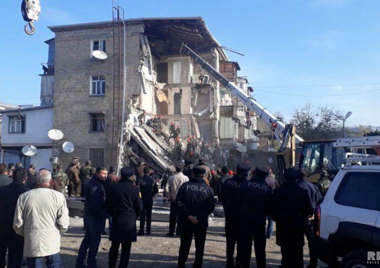 Gəncədə binada partlayış: ölən və yaralananlar var – VİDEO