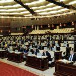 Parlament əmək pensiyasının artımı barədə qanunu təsdiqlədi