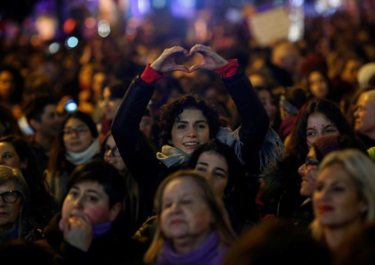Bakı polisi yürüş keçirmək istəyən feministlərə xəbərdarlıq etdi