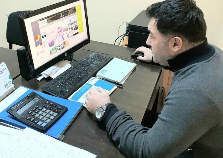 Prokuror baş redaktor Anar Məmmədova cəza istədi