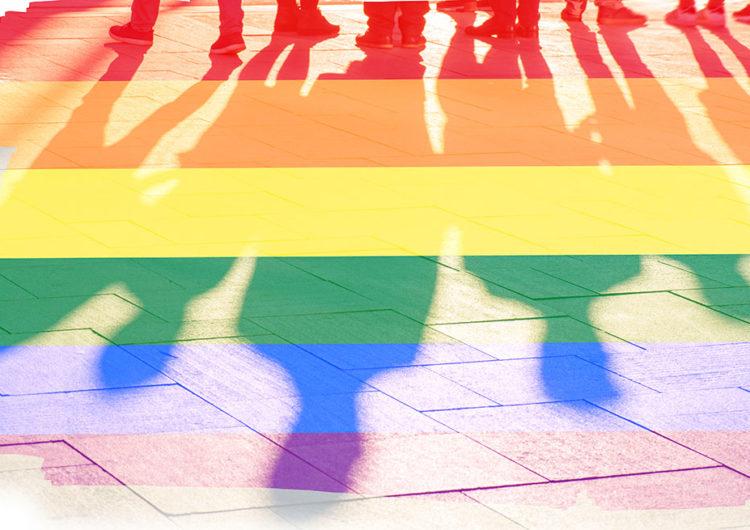 LGBTQ fərdi: Cәmiyyәt bizi bәyәnmәdiklәri hәyata sürüklәyir, sonra isə qınayır